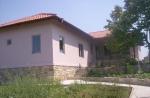 Nieuwe huis in Bulgaarse stijl 800 m van groot meer en 25 km van de zee