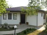 Prachtig gelijkvloers huis met zomerkeuken en veel privacy