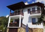 Villa met een zwembad in de villawijk van Balchik
