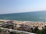 Eerste lijn appartement 100 meters van het strand